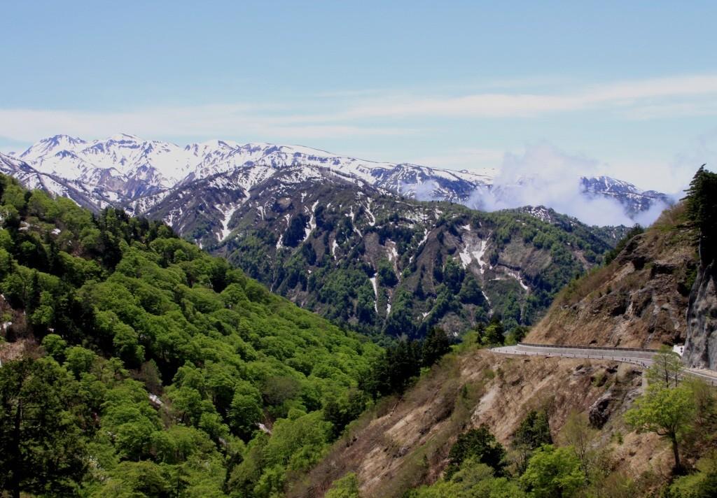 白山と林道2