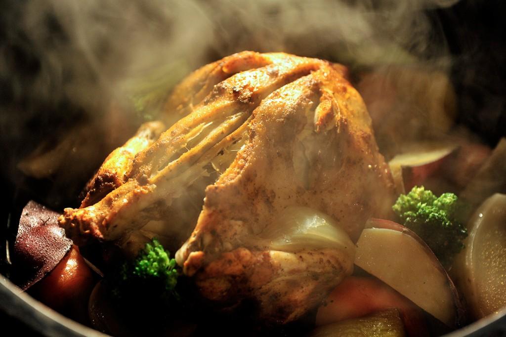 ランチ_ダッチオーブン丸鶏
