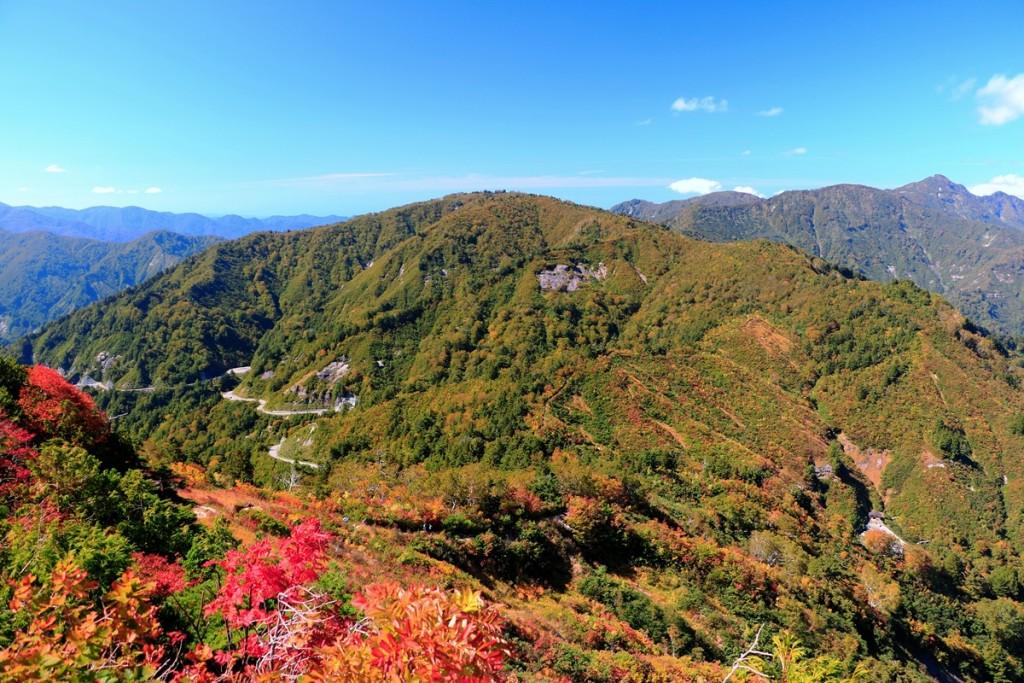 18 三方岩岳からふくべ谷上園地方面を望むs・H30.10