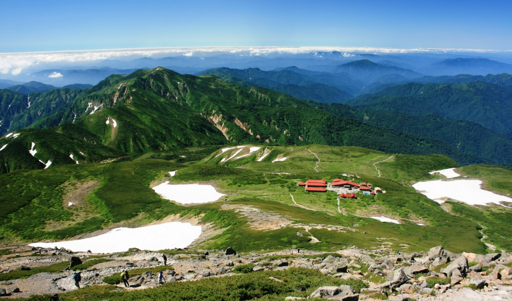 Mount_Bessan_from_Mount_Haku_2011-07-17