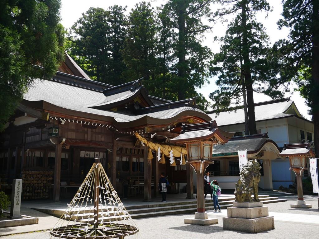 白山比め神社