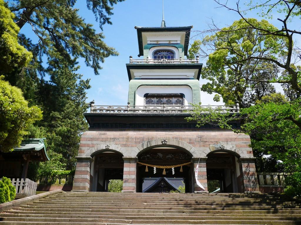 尾山神社のステンドグラス